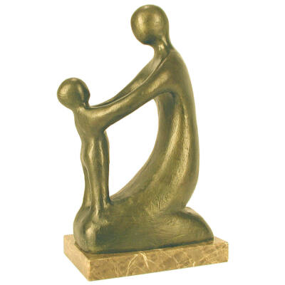 Gyulavári Pál: Anyaság,márványon